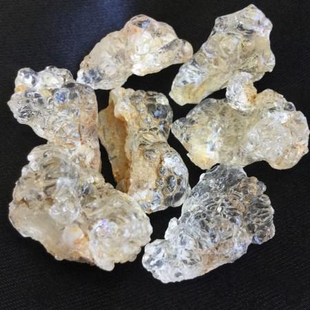 Hyalitt opal